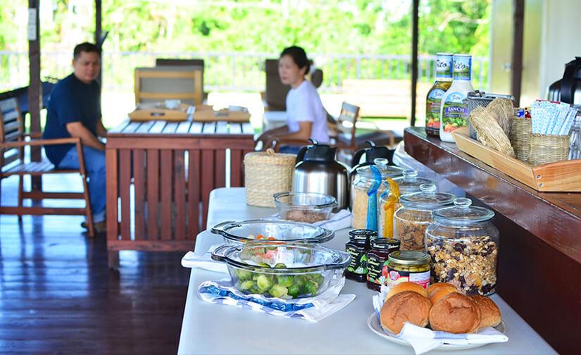 パラオのホテル、ガーデンパレスの朝食①